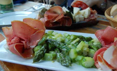 Muretlabarbaberlinmitteitalienischitalianmediterraneanrestaurantcafe