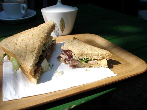 Roastbeefdairyberlinsandwich