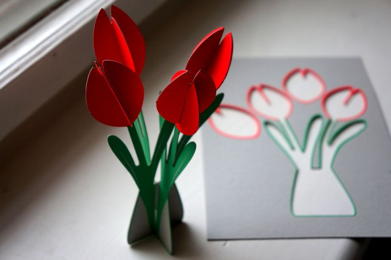 Paper tulip construction kit