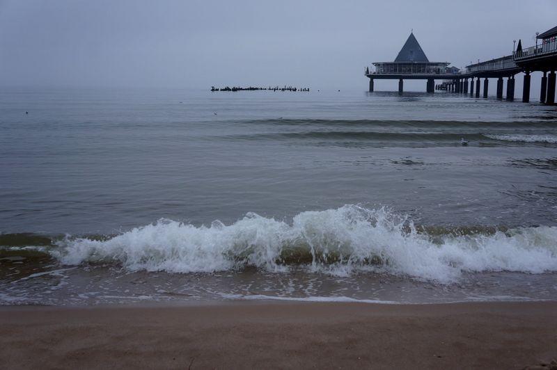 Wavescrashingpromenade