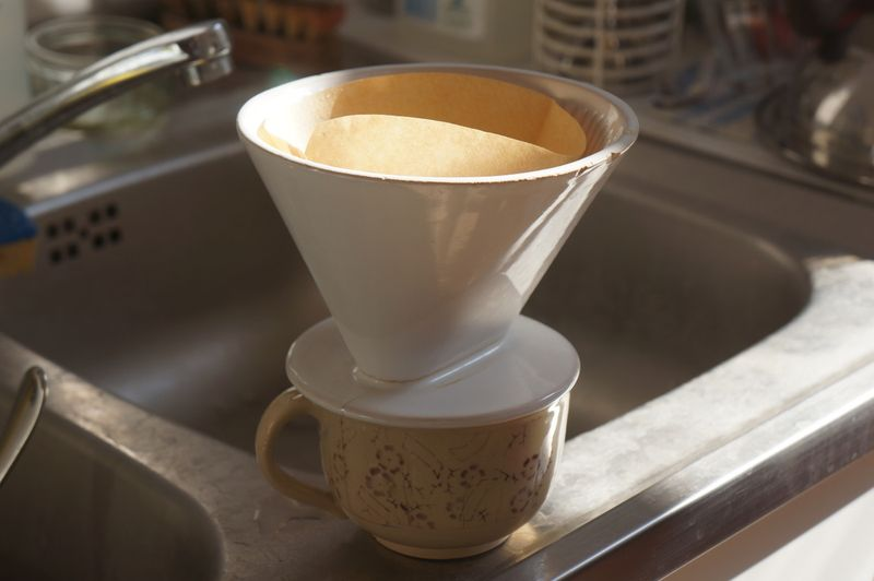 Filter-coffee-cup-sink