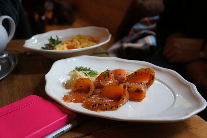 Breakfast-plate-cafe-neuen-see
