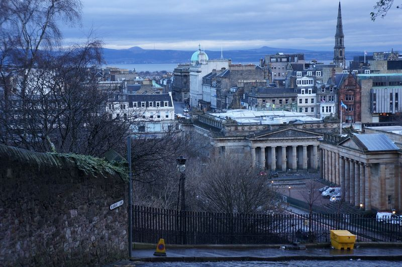View-edinburgh-mound