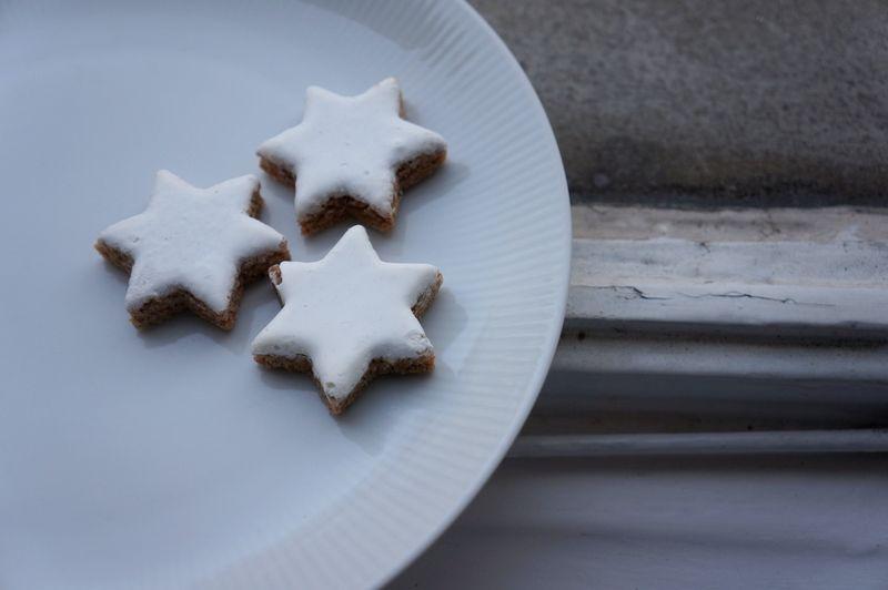 Zimtsterne-cinnamon-cookies