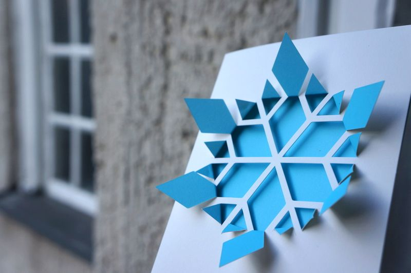 Cut-make-snowflake-card